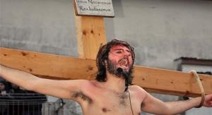 Via Crucis con personaggi viventi a Rionero in Vulture